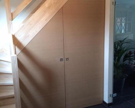 Project 3: Ingemaakt bureel onder trap
