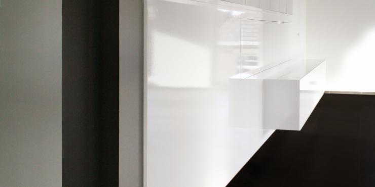 Project 6: Zwevende ingemaakte kasten in living